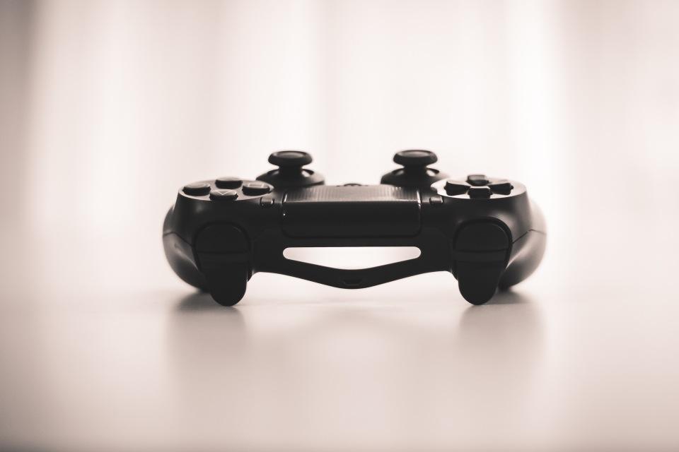 Contraste-cine-TV-Internet-videojuegos