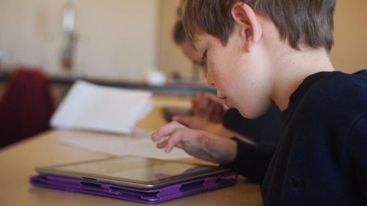tablet-nino-internet-derechos