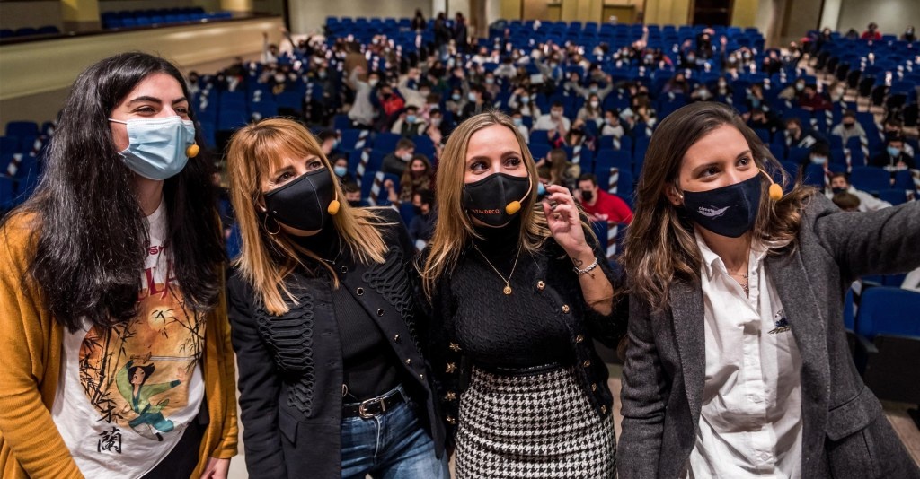 FAAM jornada hipersexualización panel jóvenes influencers selfie
